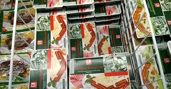 Tiefkühl-Lasagne im Supermarkt