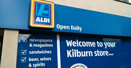 """Open Daily"": Werbung von Aldi in London"