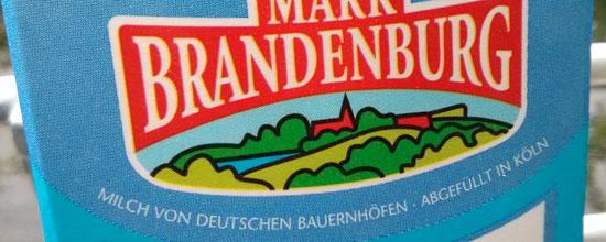 """Bald sind die Buchstaben ein bisschen größer: """"Mark Brandeburg""""-Milch von Friesland Campina"""