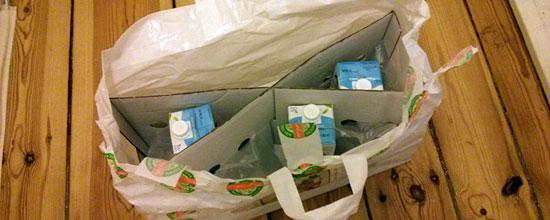 Geht auch ohne Kühlpads: Milch aus dem Styroporkarton in der Abendzustellung