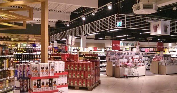 Die Minishops in der Ladenmitte sind anders gestaltet als der übrioge Markt