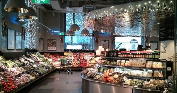 Da hat alles seinen Platz: Obst- und Gemüseabteilung bei Merkur am Hohen Markt