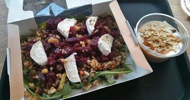 Linsensalat mit roter Beete & Ziegenkäse samt Nachtisch zum Restaurantpreis