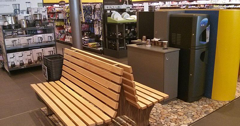 Stilvolles Kaffeepausieren auf Steinteppich: Im E-Center kein Problem