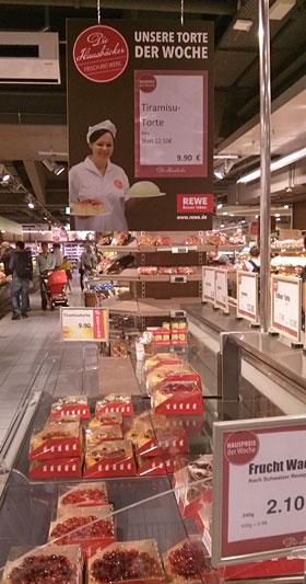 """Was Leichtes für zwischendurch? Die """"Hausbäckerei"""" empfiehlt """"Tiramisu-Torte"""" für 9,90 Euro"""