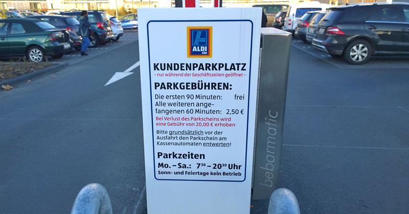 90 Minuten kostenlose Einkaufszeit müssen reichen, findet Aldi in Köln