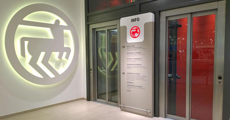 Für sein neues Designkonzept braucht Rossmann zwei Etagen mit Aufzug