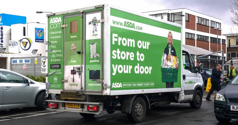 """Asda-Lieferwagen für Online-Bestellungen: """"From our store to your door"""""""