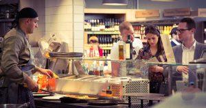 Mittagessen im Supermarkt? So machen Globus, Rewe und Tesco ihre Kunden satt