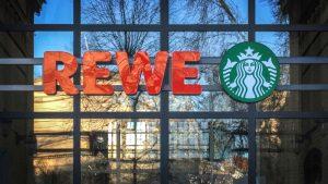Zwischen Grillhaxe und Starbucks: Rewes schwer verdaulicher Gastro-Schlingerkurs