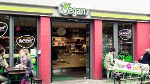"""Veganz will eigene Läden zu """"Marken-Erlebniswelten"""" umbauen"""