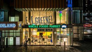 In Brooklyn bringt Whole Foods die Mission des Supermarkts von morgen auf den Punkt (und braucht dafür bloß 4 Wörter)