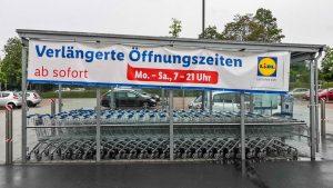Diskussion über verlängerte Öffnungszeiten und überlastete Mitarbeiter im Lebensmittelhandel: Fehler im System