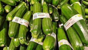 Verpackungsreduktion im Supermarkt: Wettstreit der Weglasser