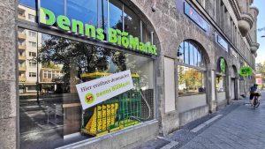 Adieu, Apostroph: Neuer Markenauftritt für Denns Biomarkt